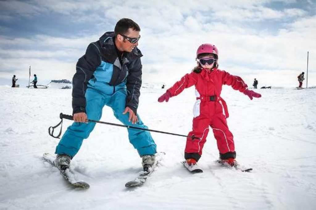 8 Things to Look for in a Ski School | Family Skier