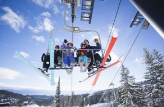 What Makes a Ski Resort Family-Friendly